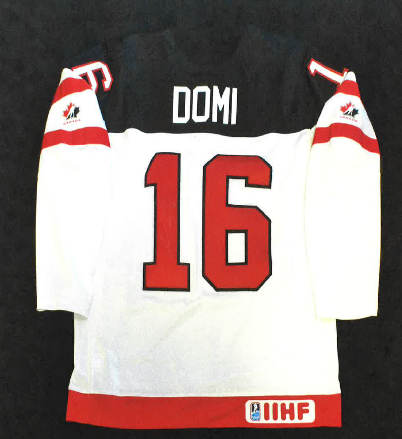 online store c39f9 b5372 Team Canada Autographed Jersey